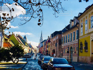 ハンガリー ブダペスト。マーチャーシュ聖堂を眺める景色♪の写真・画像素材[1106003]