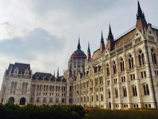 風景,建物,屋外,きれい,世界遺産,ヨーロッパ,景色,荘厳,観光,旅行,可愛い,曇り空,海外旅行,ハンガリー,ブダペスト,景観,トラベル,国会議事堂,日中,国会,中欧