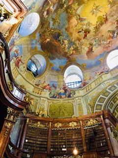 オーストリア ウィーンの国立図書館♪の写真・画像素材[1824060]