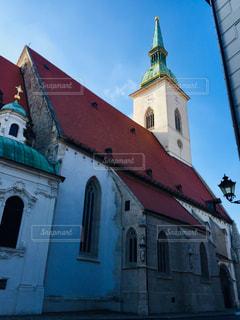風景,空,建物,冬,屋外,海外,きれい,青空,ヨーロッパ,景色,観光,古い,ランプ,屋根,旅行,可愛い,教会,石,海外旅行,大聖堂,スロバキア,聖堂,トラベル,日中,2月,ブラチスラバ,聖マルティン大聖堂