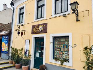 ハンガリーの田舎町センテンドレ。可愛らしいコーヒーショップ♪の写真・画像素材[1827866]