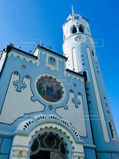 空,建物,屋外,海外,きれい,晴れ,青空,晴天,青,絵,ヨーロッパ,観光,旅行,可愛い,教会,ブルー,海外旅行,スロバキア,キリスト,トラベル,日中,休暇,カトリック教会,中欧,ブラチスラバ,青い教会