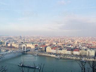 ハンガリー ブダペスト。ドナウ川沿いの街並み♪の写真・画像素材[1829966]