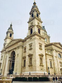 空,建物,冬,屋外,きれい,ヨーロッパ,荘厳,観光,大きい,旅行,教会,曇り空,石,海外旅行,大聖堂,ハンガリー,ブダペスト,聖堂,トラベル,2月,中欧,東欧,聖イシュトヴァーン大聖堂