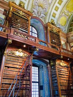 建物,インテリア,屋内,海外,きれい,室内,窓,本,アート,ヨーロッパ,図書館,観光,古書,壁,旅行,オーストリア,天井,ウィーン,はしご,海外旅行,トラベル,2月,国立図書館,書庫