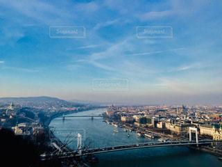 青空の下に広がるハンガリー ブダペストの街並み🇭🇺の写真・画像素材[2011765]