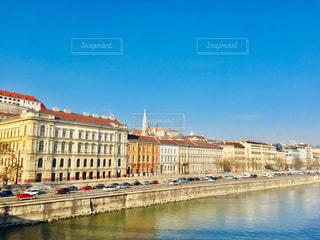 ハンガリー ブダペスト。ドナウ川沿いの街並み🇭🇺の写真・画像素材[2053941]