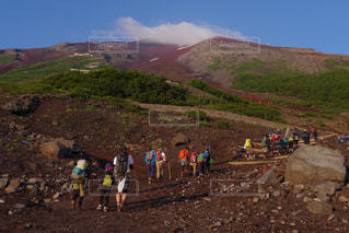 夏の富士登山の写真・画像素材[770300]