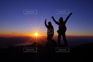 富士山よりご来光と山中湖の写真・画像素材[771426]