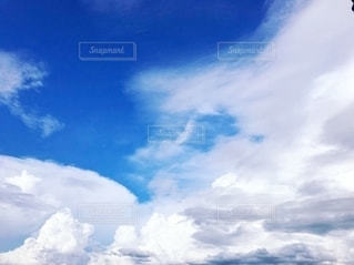 不安定な天気☀️🌩⛅️☁️の写真・画像素材[2413976]