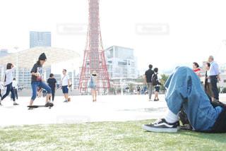 公園の人々 のグループの写真・画像素材[915836]