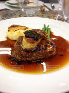 牛,フランス,おいしい,美味しい,フォアグラ,うまい,ロッシーニ,トリフ,西洋料理