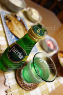 クローズ ボトルのアップの写真・画像素材[902340]