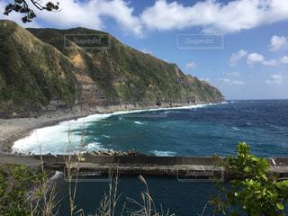 背景の山と水体 - No.1115809