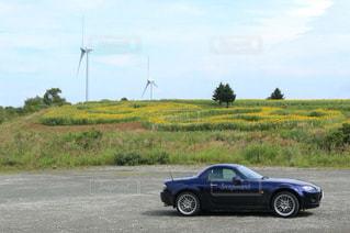 道の端に駐車していた車の写真・画像素材[1119660]