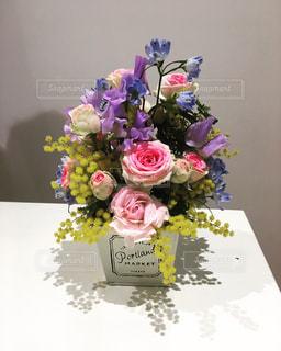 花,フラワーアレンジメント,黄色,ミモザ