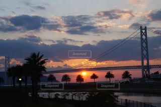 夕日、橋の写真・画像素材[1860734]