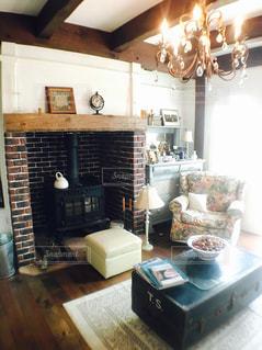 リビング,家具,照明,ソファ,暖炉