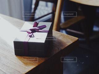 紫,パープル,プレゼント,リボン,贈り物,りぼん,ギフトボックス