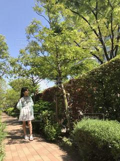 女性,春,屋外,散歩,女の子,春コーデ