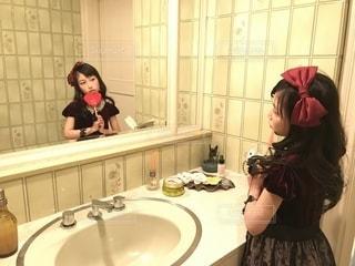 かわいい,女の子,少女,鏡,ハート,リボン,小学生,洗面所,キュート,洗面台,ファンシー,四年生