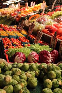 海外の野菜マーケットの写真・画像素材[3155401]