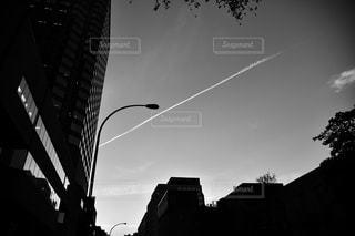 飛行機雲の写真・画像素材[845680]