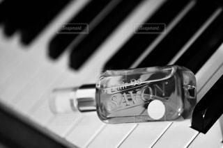 近くにピアノのの写真・画像素材[1190550]