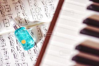 ピアノの鍵盤の写真・画像素材[1190551]