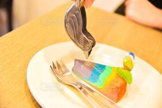 皿の上のケーキの一部の写真・画像素材[1537991]
