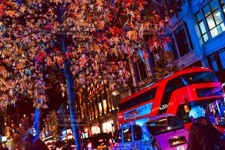 夜の街の人々 のグループの写真・画像素材[1625588]