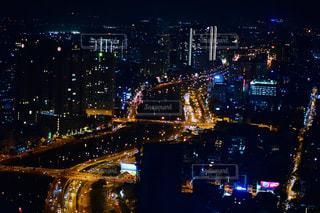 夜の街の景色の写真・画像素材[1701061]