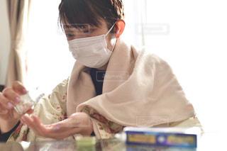 彼女の歯を磨く女性の写真・画像素材[1703032]
