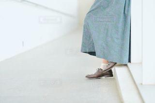 青と白のシャツの写真・画像素材[1800262]