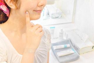 歯を磨く女性の写真・画像素材[2321572]