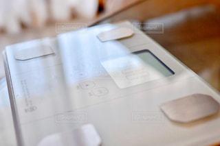 リモコン付きテーブルの写真・画像素材[2359957]