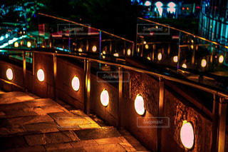 夜の街の眺めの写真・画像素材[2410275]
