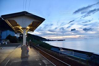 水域に架かる橋の写真・画像素材[2422876]