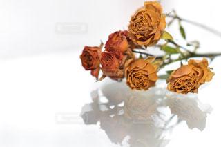 花のように見えるように作られたケーキの写真・画像素材[2722028]