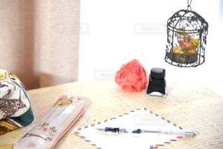 花,屋内,手紙,テーブル,フランス,書類,万年筆,インク,ケージ,紙,エアメール,データ,ペンポーチ