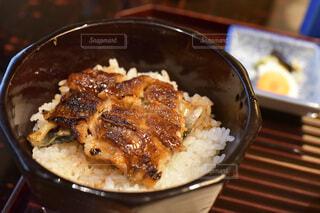 食べ物で満たされた鍋の写真・画像素材[3971475]