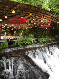 いくつかの水の上の大きな滝 - No.706145
