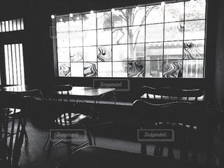 モノクロのカフェの写真・画像素材[817046]