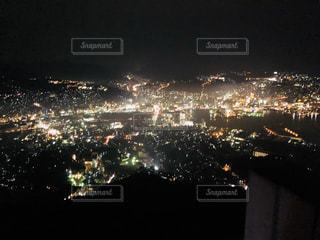 夜の街の景色の写真・画像素材[1016698]