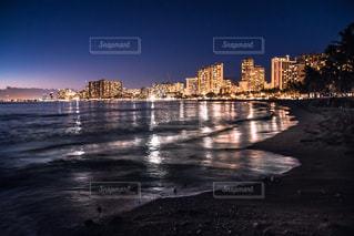 Waikikiの夜景の写真・画像素材[916074]