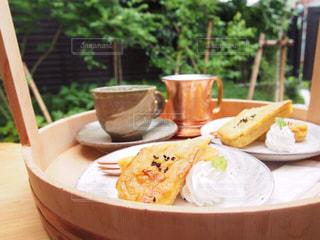 カフェ,コーヒー,食事,レトロ,デザート,テーブル,皿,和,休日,桶,スイートポテト,おでかけ,足湯カフェ