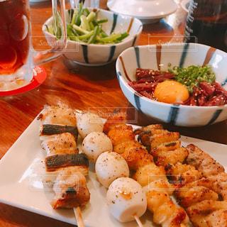 食事,料理,おいしい,居酒屋,おつまみ,串,アルコール,ユッケ