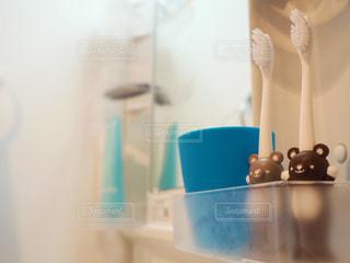 青,鏡,コップ,可愛い,歯ブラシ,歯磨き,クマ,洗面台