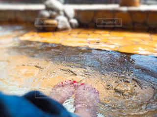 足湯でのんびりの写真・画像素材[758798]
