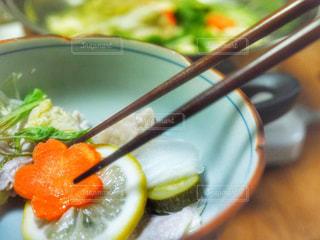 おうちごはん,食事,野菜,レモン,鍋,人参,箸,料理,水菜,ズッキーニ,花型,塩レモン鍋